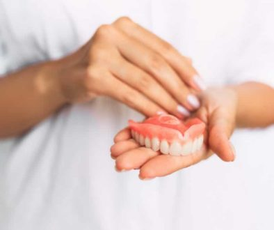 full-and-partial-dentures-pros-and-cons