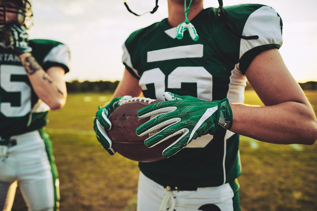 sports-drinks-and-mouthguards-what-athletes-need-to-know